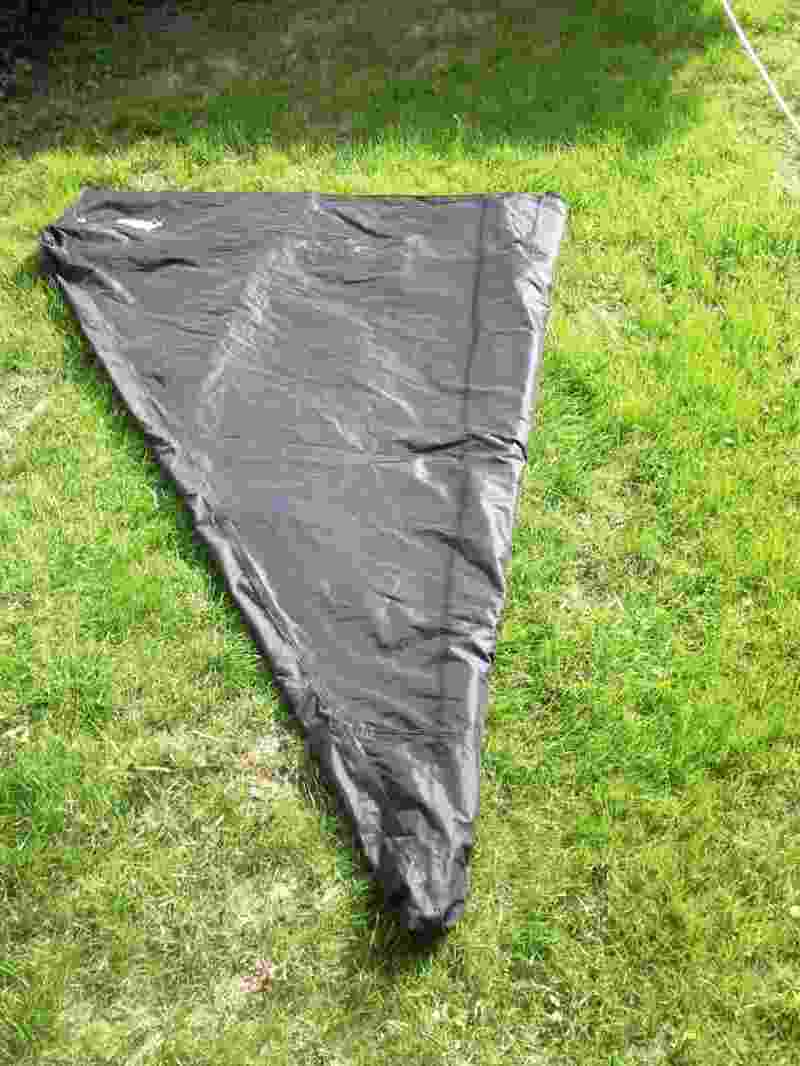 Schritt 1 - Das Dach zu einem Dreieck legen.