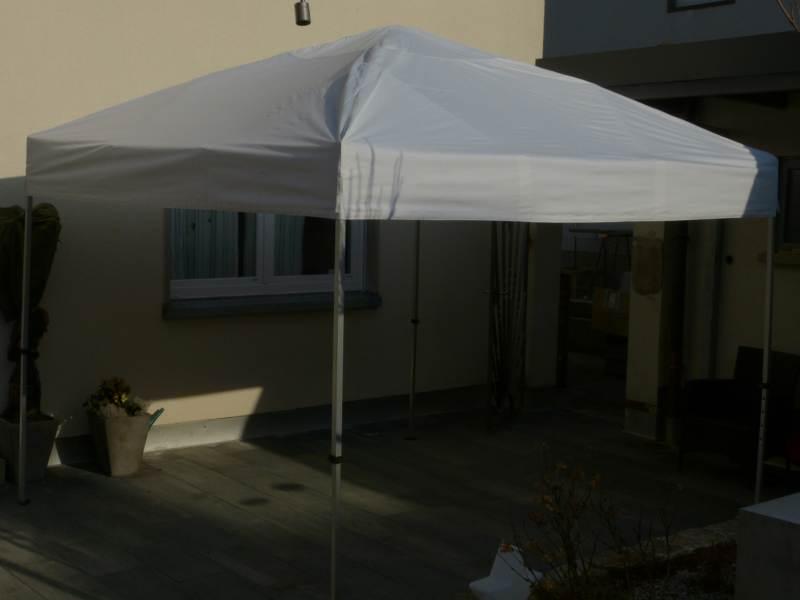 Faltpavillon preiswert, leicht, stabil, wasserdicht