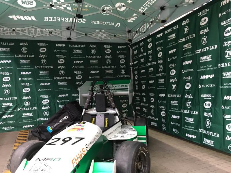 Faltpavillon bedruckt für Main-Franken Racing. Die Wände sind als Banner ausgeführt und damit extrem flexibel.
