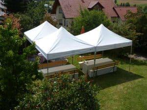 Faltpavillon für Gartenparty
