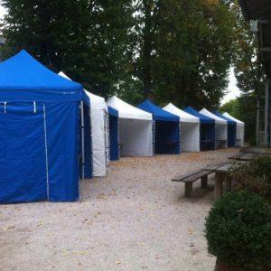 Faltpavillons blau-weiß für Firmenevent