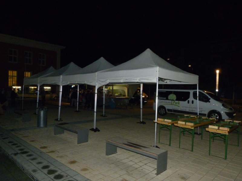 Viele Faltpavillons für Event 04