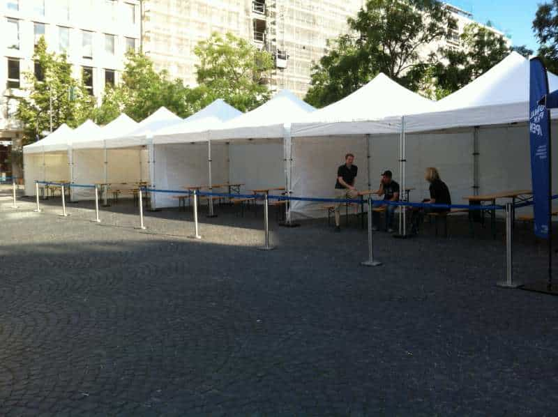 Viele Faltpavillons für Event 05